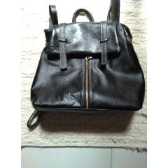 Bolsa de couro tipo mochila